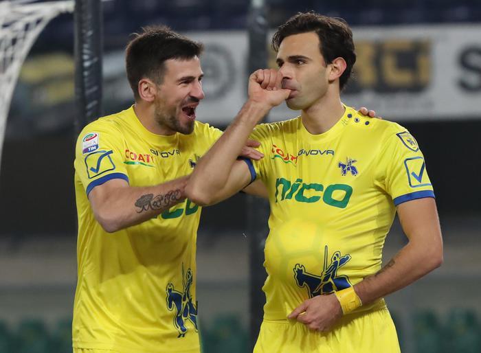 Icardi illude l Inter, pari della Fiorentina nel recupero