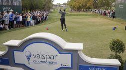 Golf, Tiger Woods stupisce al Valspar