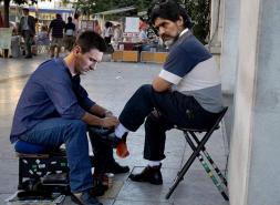 Messi massacrato sui social: i post più impietosi
