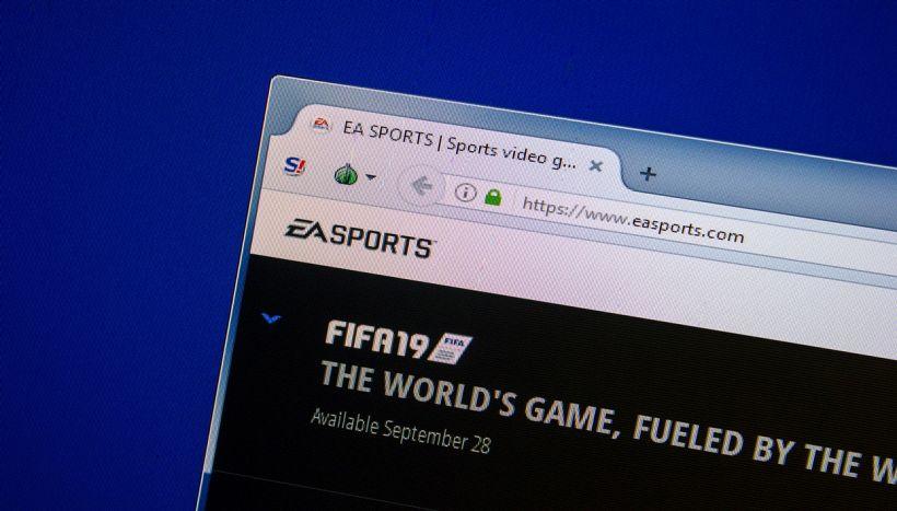 FIFA 19, commenti omofobici: pro player bannato si difende