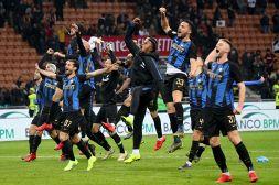 Milan-Inter 2-3 le pagelle: Vecino mossa vincente, Piatek isolato