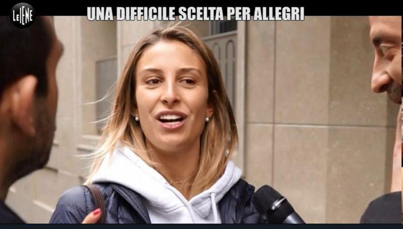 Valentina Allegri, vittima de Le Iene: spogliarello a sorpresa