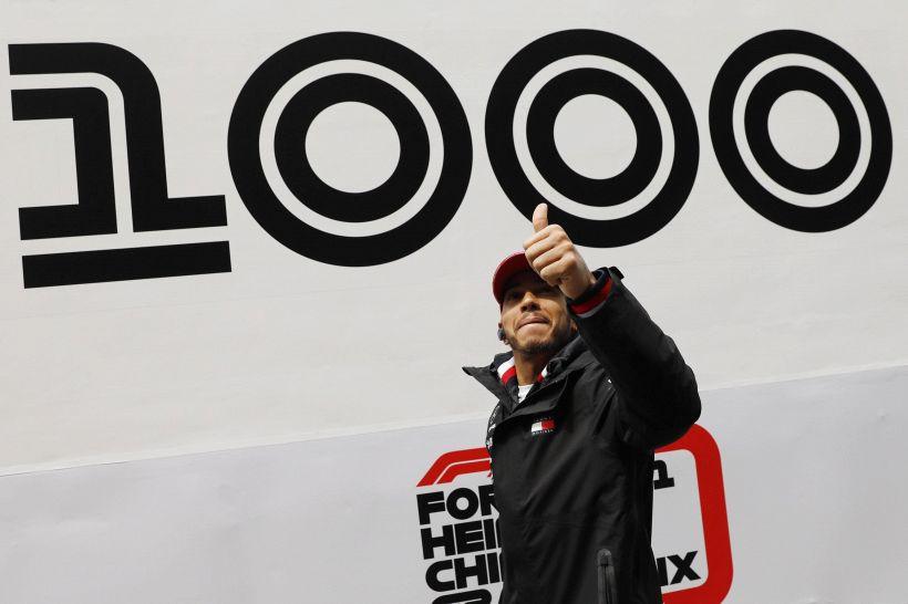Gp Cina F1 pagelle: Hamilton da mille e una notte, caos Ferrari