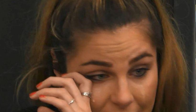 Ivana Icardi piange pensando al fratello Mauro