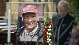 L'ultimo saluto a Niki Lauda, indimenticabile campione di F1