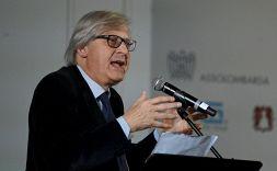 Sgarbi difende Balotelli, il web lo demolisce