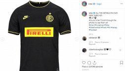 Inter, ecco la terza maglia: nera con inserti gialli e nostalgia
