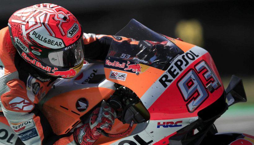 MotoGP, Marc Marquez operato alla spalla: la situazione