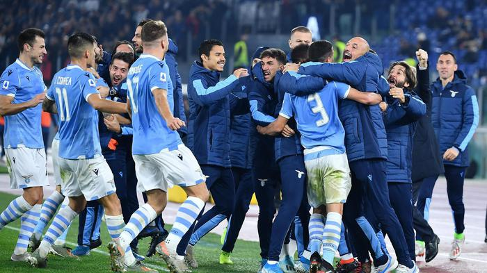 Juventus ko: sui social tra Var, arbitro e il fantasma di Allegri