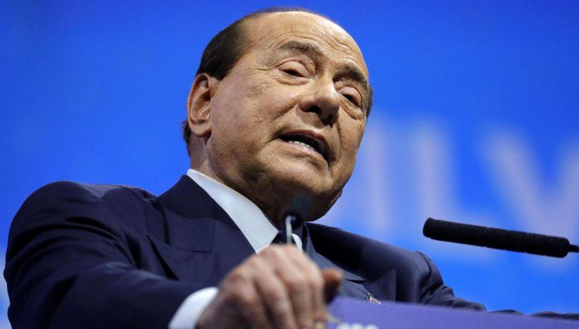 La scabrosa risposta di Berlusconi a un tifoso dopo Olbia-Monza