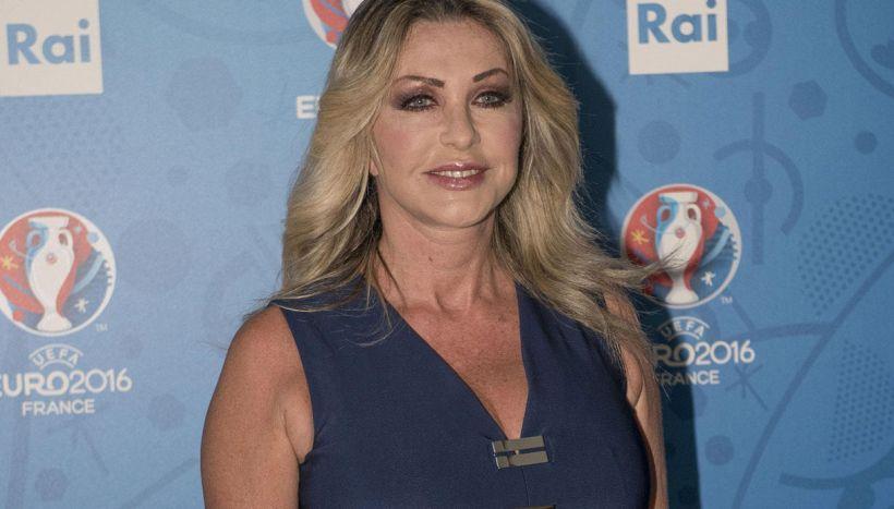 """Sanremo 2020, il cruccio di Paola Ferrari: """"Tutte, tranne me"""""""
