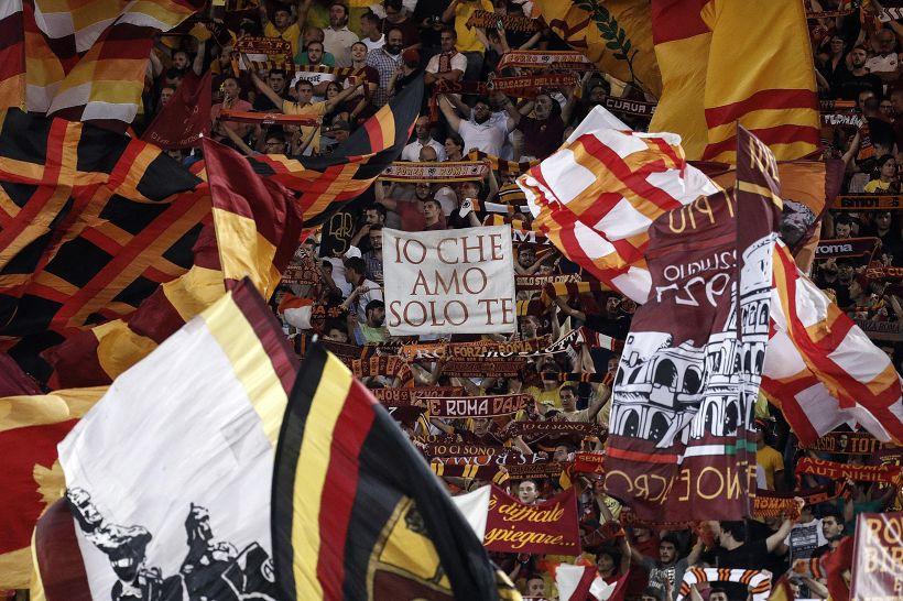 Roma in semifinale ma i tifosi lo prendono di mira