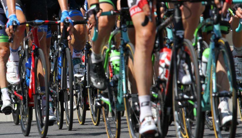 Beffa al Tour de France, Aru perde la maglia gialla
