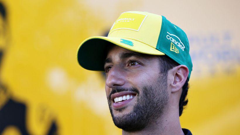 Daniel Ricciardo mette subito un paletto