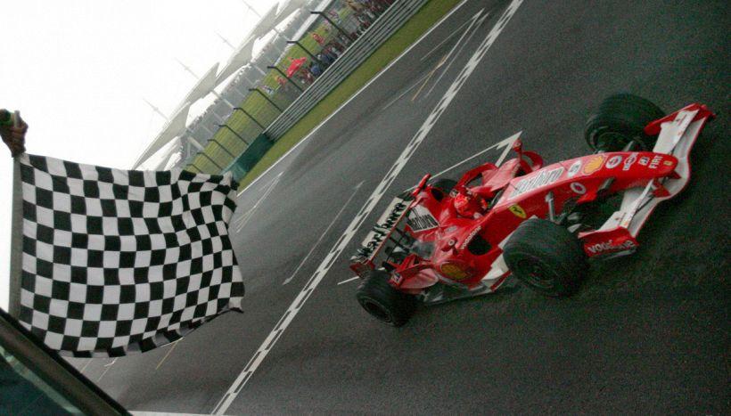 Leclerc davanti a tutti a Baku