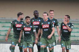 Napoli, non solo note liete: gli addii inquietano i tifosi