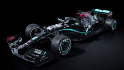 F1: la Mercedes si scaglia contro il razzismo, nuova livrea