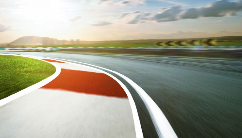 Marquez trionfa e va in fuga, gara epica di Rossi