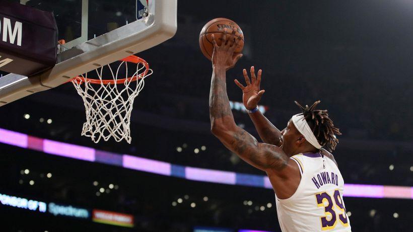 NBA, i LA Lakers provano a convincere Howard
