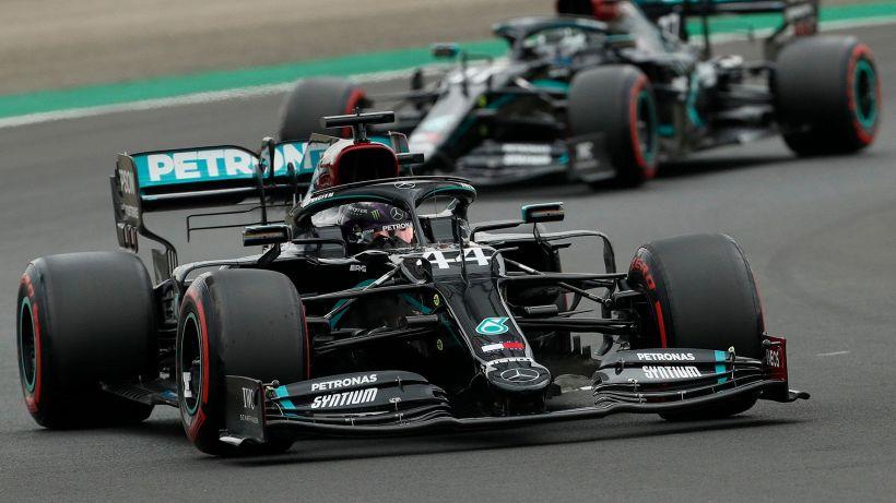 F1, GP Ungheria: super pole di Hamilton, riscatto delle Ferrari
