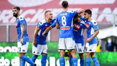 Lozano si riprende il Napoli, Genoa nel baratro