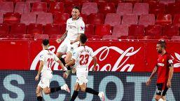 Vidal fa sperare il Barcellona, bene l'Atletico, vince il Siviglia
