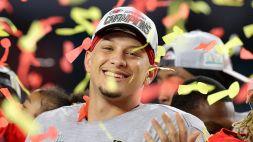 NFL, i Chiefs ricoprono d'oro Mahomes