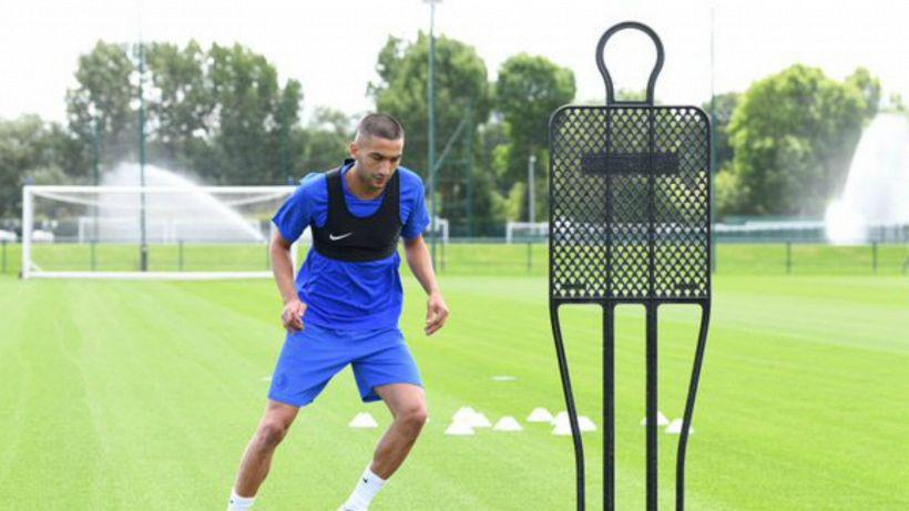 Chelsea, problemi al ginocchio per Ziyech