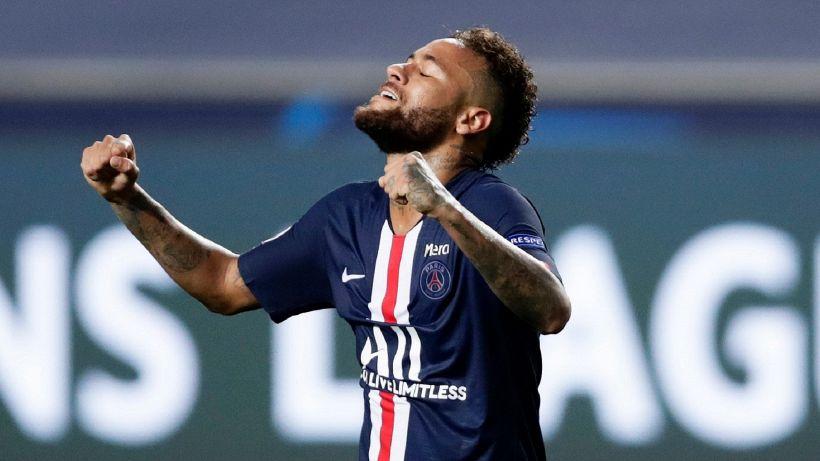 Calcio, il cuore d'oro di Neymar