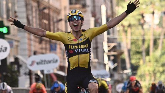 Milano-Sanremo, vince Van Aert