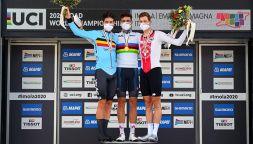 Ciclismo: la gioia di Filippo Ganna, campione del mondo a Imola