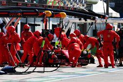 F1, Ferrari entrambe ritirate a Monza: tifosi rassegnati sul web