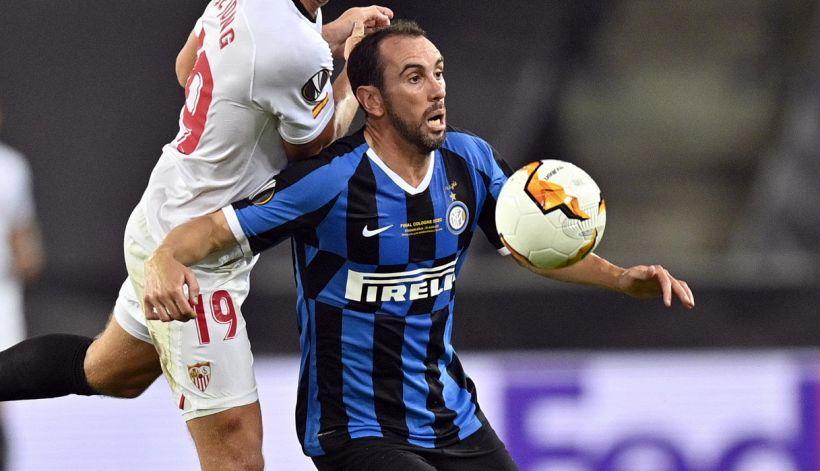 Inter, Godin smuove il mercato: i tifosi si schierano