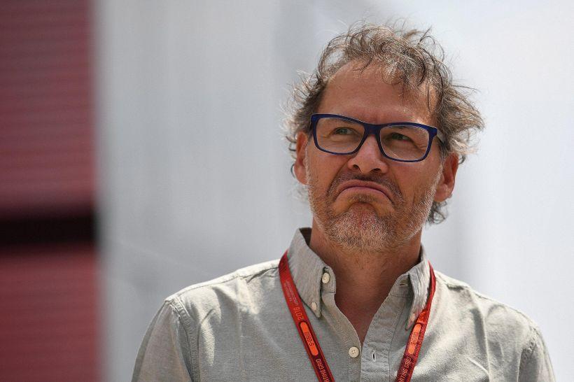 F1, Villeneuve attacca Hamilton e stravolge il mercato piloti