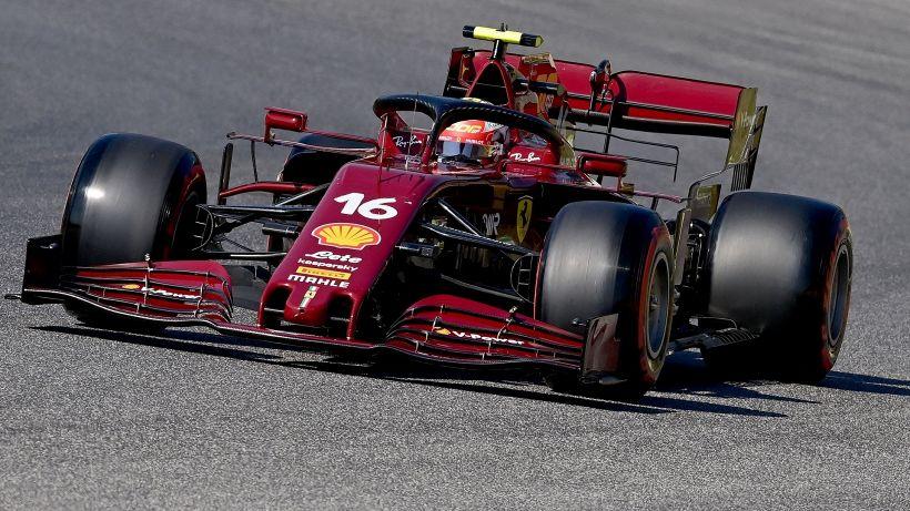 F1, Mugello: Hamilton in pole, Leclerc sorride. Male Vettel
