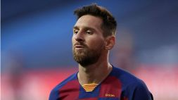 Maglia rosa per il Barcellona, con Messi testimonial: ironia social