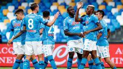 Napoli 'forza 6', schiantato il Genoa. Il Milan espugna Crotone