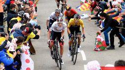 Tour: nona tappa a Pogacar, Roglic in giallo