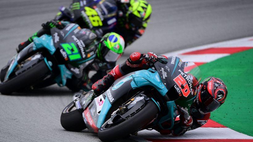 MotoGp: gioia Quartararo, Valentino Rossi cade e si dispera