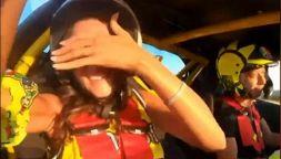 Valentino Rossi scatenato alla guida,Francesca Sofia Novello urla