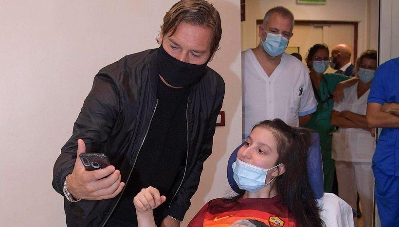 Ilenia incontra Francesco Totti in ospedale dopo il risveglio
