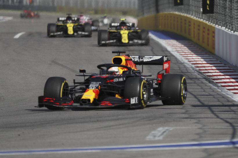 F1, Red Bull con Ferrari o Mercedes: c'è la decisione per il 2022