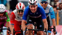 Giro d'Italia, Demare conquista il primo arrivo in volata