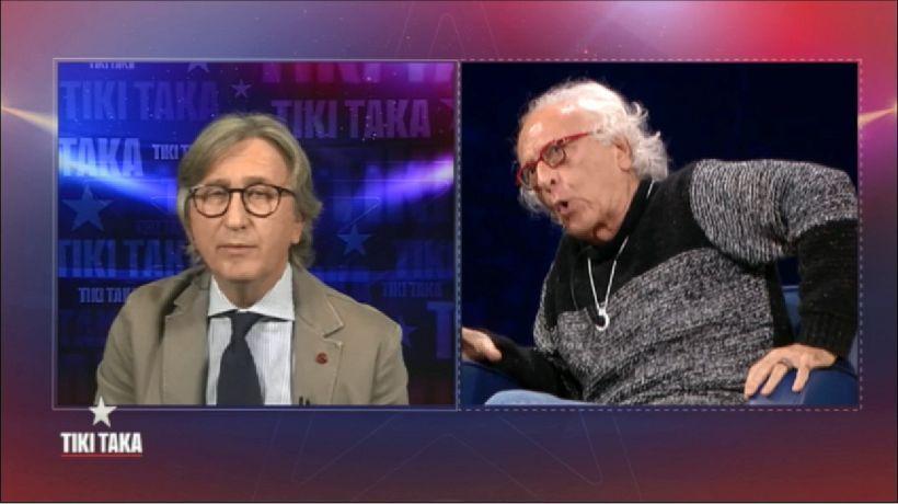 "Maradona, rissa in tv Mughini-Auriemma: ""Buffone, pagliaccio!"""