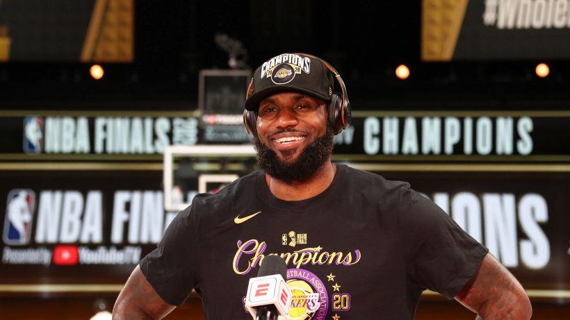 NBA, grande colpo dei Lakers di James