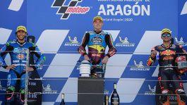 Moto2, cadono Marini e Bezzecchi: vince Lowes