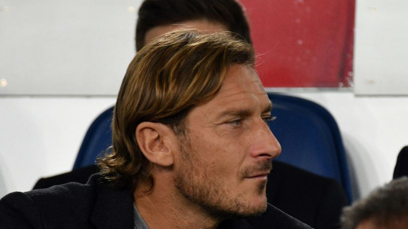 """Euro 2020, malore Eriksen, Totti: """"I numeri 10 non mollano mai"""""""