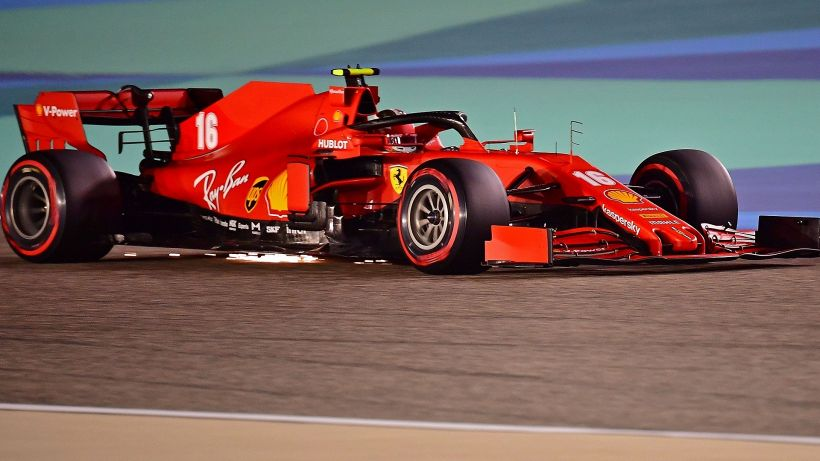 F1, Gp Bahrain: Vettel e Leclerc eliminati, pole di Hamilton