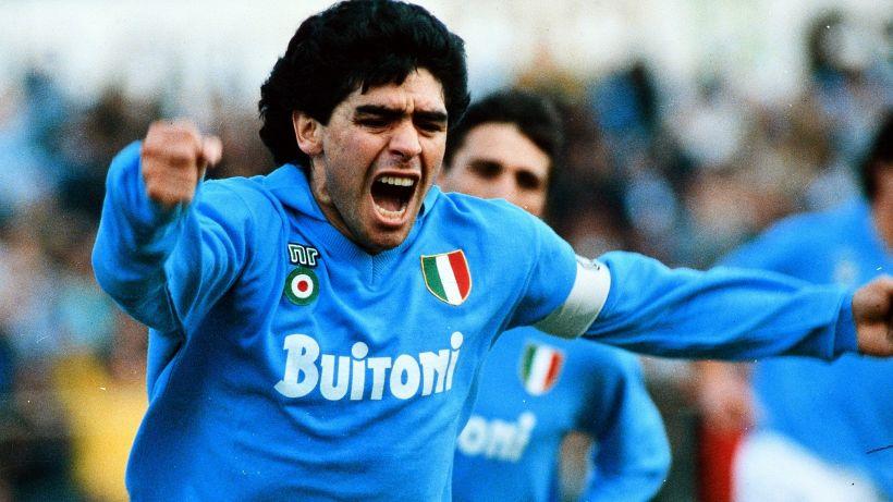 Maradona, l'esito dell'autopsia. Un milione di persone alla camera ardente
