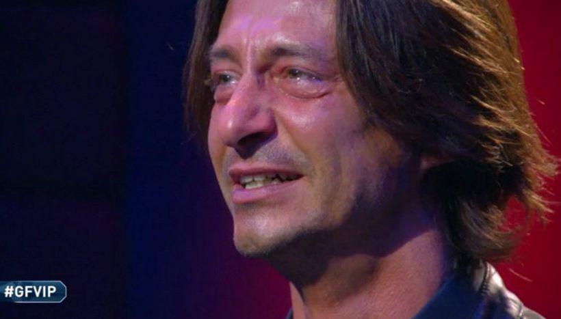 GF Vip, Oppini non trattiene le lacrime: messaggio ai genitori